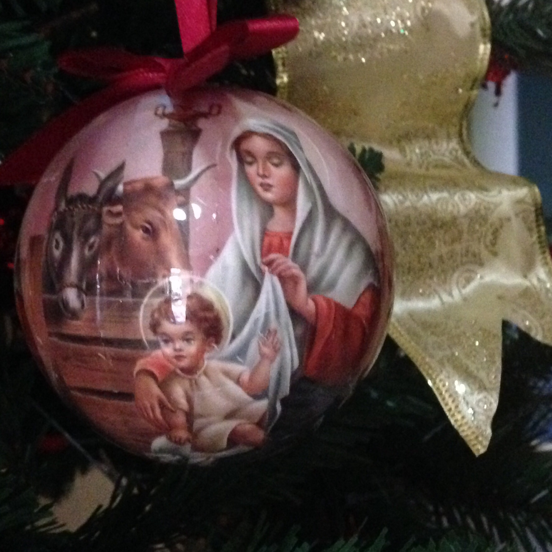 the nativity painted balls are such a unique find.. at Php25 only